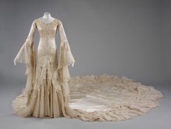 Wedding dress designed by Norman Hartnell for Margaret Whigham, 1933. Collection of the Victoria and Albert Museum, London.